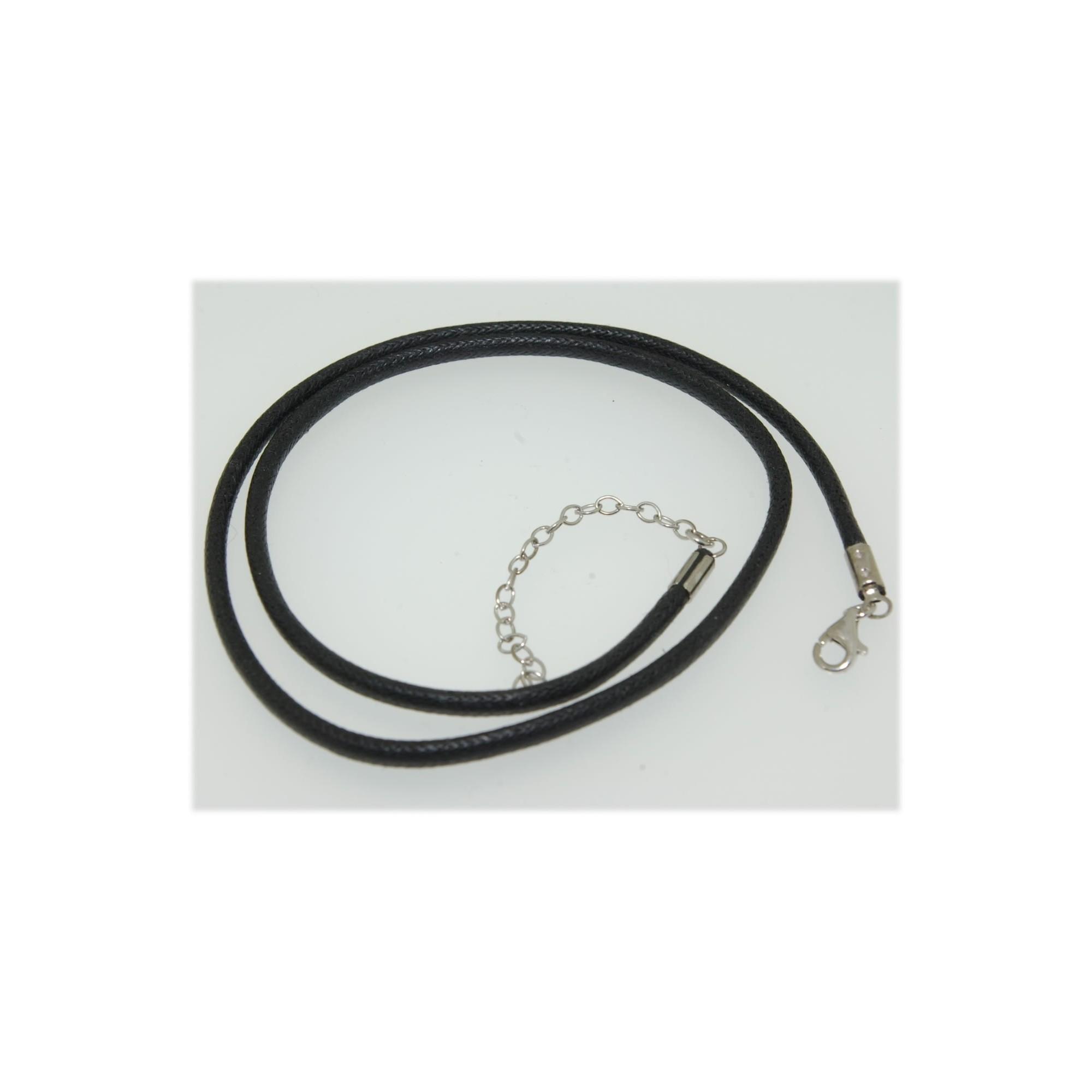 collier lacet noir femme