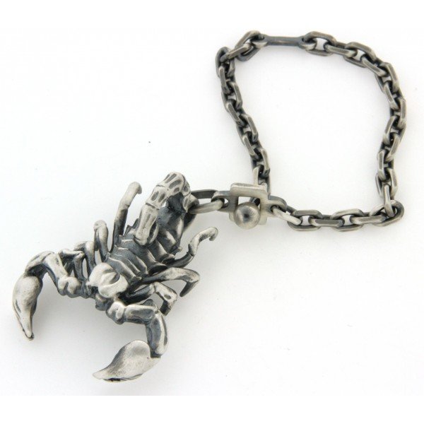 Porte clés argent scorpion