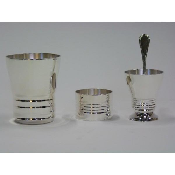 Timbale, rond, coquetier en métal argenté