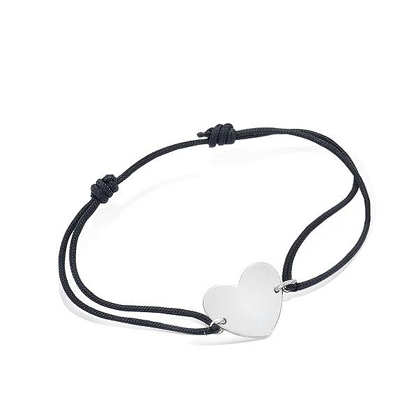 Bracelet cordon avec médaille coeur